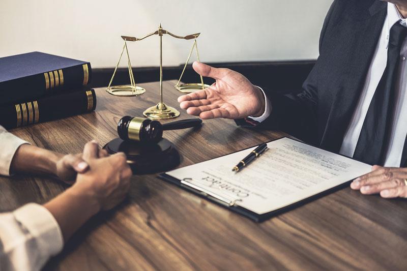 Benefícios-de-usar-os-serviços-de-um-tradutor-jurídico