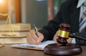 Conheça-a-empresa-líder-no-mercado-para-contratar-um-Tradutor-Jurídico